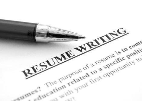 4 Signs that Speak You Need to Hire a Professional Resume Writer